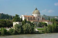 中心都市风景有历史的维罗纳 免版税图库摄影