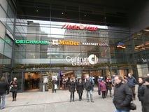 中心Galerie购物中心在德累斯顿,德国(2013-12-07) 库存图片