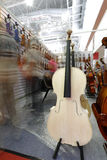 中提琴半成品陈列 免版税库存照片