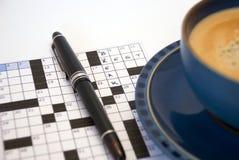 中断咖啡纵横填字谜 库存照片