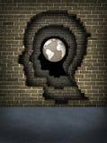 中断通过对成功的墙壁 免版税库存图片