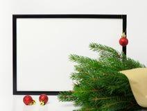 中看不中用的物品蓝色圣诞节构成玻璃 黑框架和分支圣诞树, 图库摄影