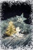中看不中用的物品蓝色圣诞节构成玻璃 圣诞节链子、树、天使、星和中看不中用的物品 免版税图库摄影
