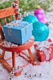 中看不中用的物品蓝色圣诞节构成玻璃 免版税库存照片