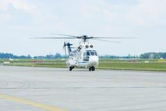 """中等公共直升机欧洲直升机公司AS532U2 """"Cougar"""" 免版税库存照片"""