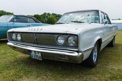 中等大小汽车推托冠440, 1967年 图库摄影