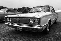 中等大小汽车推托冠440, 1967年 库存图片