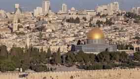 中等角度shof岩石的圆顶从橄榄mt的在耶路撒冷 免版税库存照片