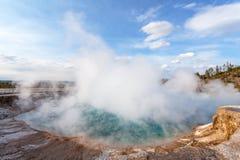 中途喷泉水池,黄石,怀俄明,美国 免版税图库摄影