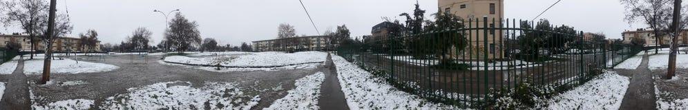 中途街道冬天 免版税库存图片