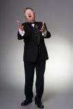中部年迈的歌剧歌手执行 免版税库存照片