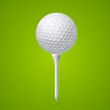 击中铁行动的球高尔夫球 皇族释放例证