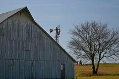 中间西部的谷仓 库存照片