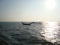 中间海洋 免版税库存照片