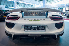 中间装有引擎的插入式杂种跑车保时捷918 Spyder, 2015年 图库摄影