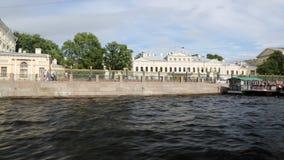 丰坦卡河的堤防的看法从游船的在圣彼德堡 影视素材