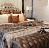 丰富和温暖的卧具 免版税库存照片