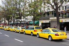 丰沙尔, MADEIRA/PORTUGAL - 4月13日:计程汽车车站在丰沙尔做了 库存图片