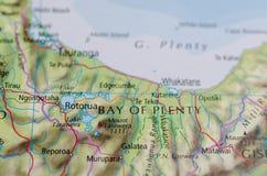 丰足海湾在地图的 图库摄影