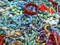 串珠的镯子堆 图库摄影