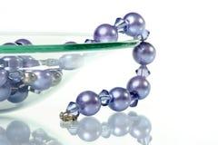 串珠的项链紫色 库存照片