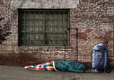 临时无家可归的休眠灵魂的街道 库存图片