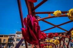 临时雇员de flors,事件花节日在希罗纳卡塔龙尼亚 图库摄影