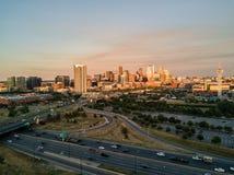 丹佛科罗拉多美丽的日落寄生虫照片  库存图片