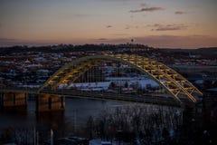 丹尼尔卡特胡子桥梁-跨境471 -俄亥俄河-辛辛那提、俄亥俄&纽波特,肯塔基 库存图片