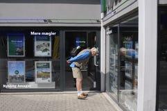 丹麦人学习售屋价格 库存图片
