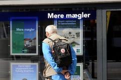 丹麦人学习售屋价格 免版税库存图片