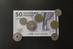 丹麦克郎纸币和硬币,丹麦 图库摄影