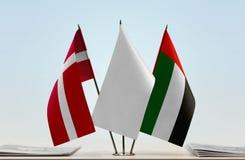 丹麦和阿拉伯联合酋长国的旗子 库存照片