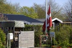 丹麦夏天小屋 免版税库存照片