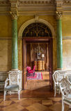丹麦新洛可可式的客厅 库存照片