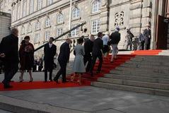 丹麦王室到达PARLIAMNT开头 免版税库存图片