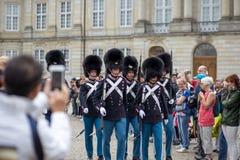 丹麦皇家卫兵在哥本哈根 库存图片