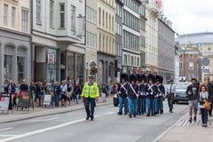 丹麦皇家卫兵在哥本哈根 库存照片