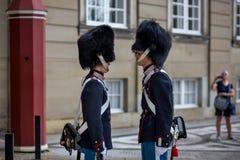 丹麦皇家卫兵在哥本哈根 图库摄影