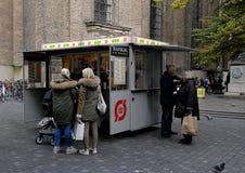 丹麦著名热狗搬运车 免版税库存照片