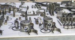 为修理老柴油引擎折除 免版税库存照片