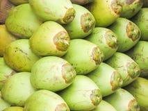 为健康,纯净的水卖的椰子 库存照片