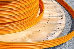 为光学纤维的缆绳输送管道卷ADSL连接的为 库存图片