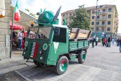 为军事全国会议创造的滑稽的卡车,意大利 免版税库存照片