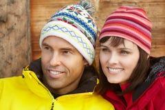 为冷气候穿戴的中世纪夫妇 免版税库存图片
