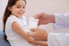 为创伤治疗使用的医疗膏药 库存图片