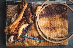 为刺绣,完成的工作,十字绣设置 图库摄影