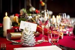 为午餐布置的圣诞节桌 免版税库存照片