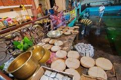 为印度devotess准备的食物 库存照片