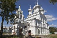 为圣徒沙皇的寺庙相等与传道者康斯坦丁和埃琳娜在沃洛格达州 免版税图库摄影